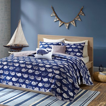 Moby Coverlet Set