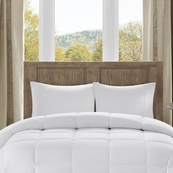 Winfield Luxury Down Alternative Comforter