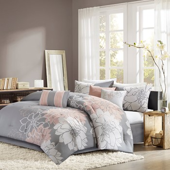 Lola Comforter Set