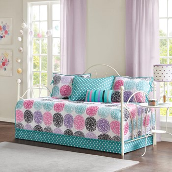 Carly Reversible 6 Piece Daybed Set