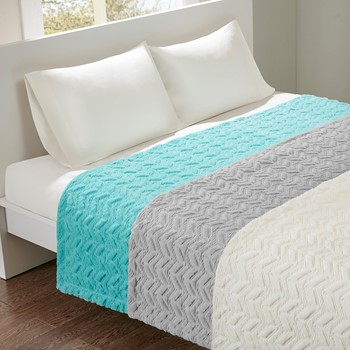 Laila Oversized Quilted Textured Plush Blanket