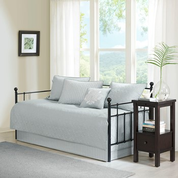 Designer Living coverlet bedspreads & quilts - designer living