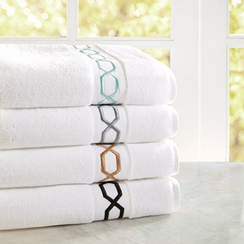 Chainlink Embroidered Cotton Towel Set