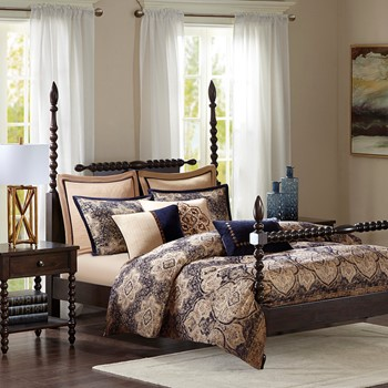Wellington Comforter Set