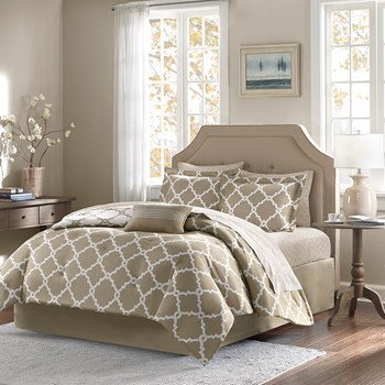 Merritt Reversible Complete Comforter and Cotton Sheet Set