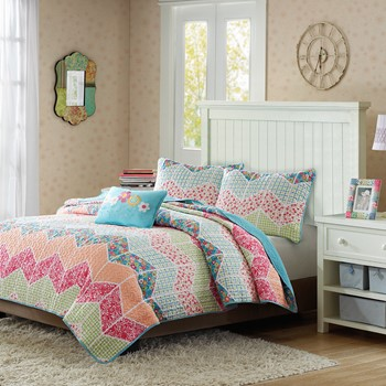 Emma Coverlet Set