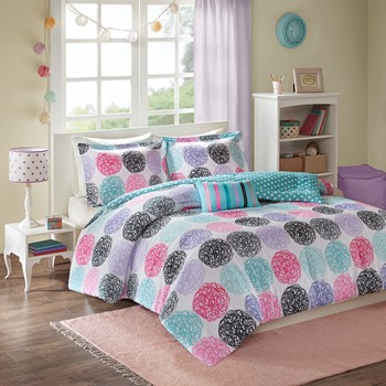 Carly Comforter Set